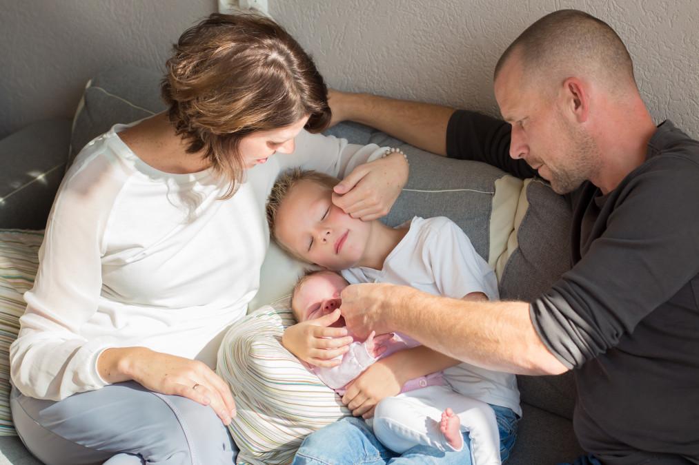 newbornsessie, newbornfotoshoot, baby, meisje, semper lumen, Kelly, Fenna, fotograaf