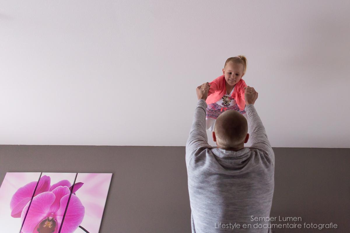 a day in the life familiefotografie Almere documentaire fotografie gezinsshoot thuis kinderen semper lumen journalistieke fotograaf