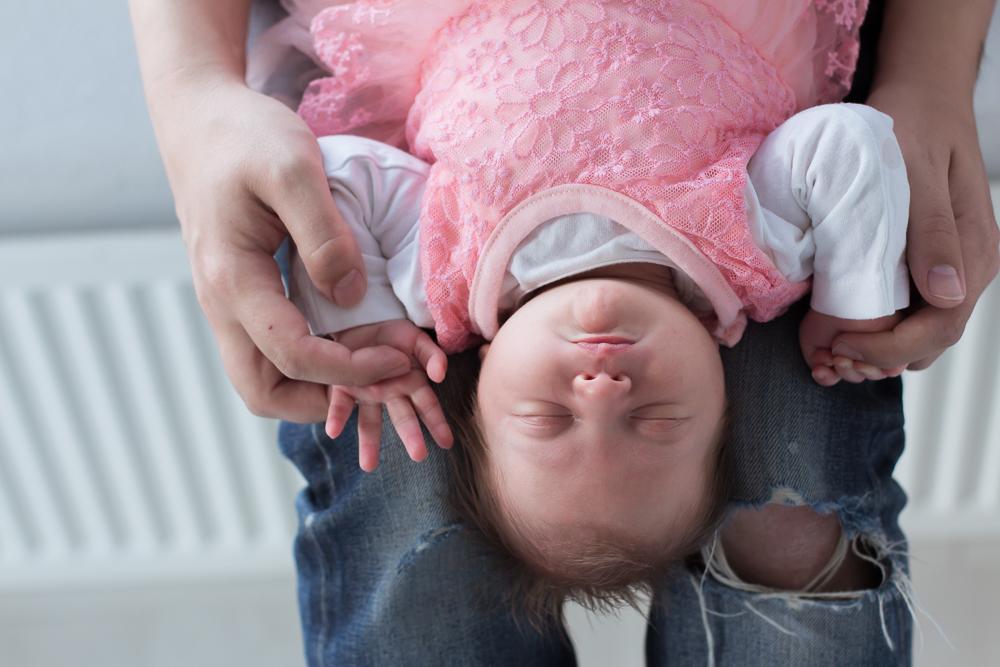newborn fotoshoot Yara almere semper lumen fotograaf lifestyle fotografie documentaire fotografie